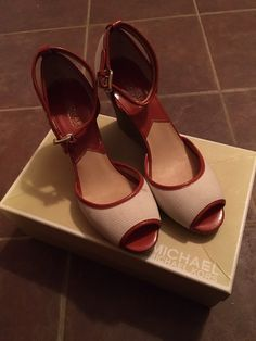 Beautiful red and cream wedges. Retails $109.00. These will mail in original box.