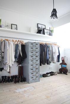 closet organization to die for!