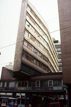 http://upload.wikimedia.org/wikipedia/commons/9/9d/Moretti_Milano.jpg