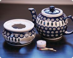 Tea time! With this, it can take as long as we want, the pot has a personal warmer :)