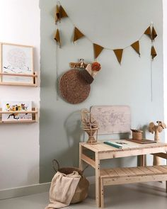 tranquil dawn - happy fresh new color from flexa, love it! - wauw, wat een fijn fris kleurtje is tranquil dawn en wat dekt flexa toch goed,… Kids Study Spaces, Kid Spaces, Happy Fresh, Creative Kids Rooms, Cool Kids Bedrooms, Living Room Paint, Little Girl Rooms, Diy Bedroom Decor, Home Decor