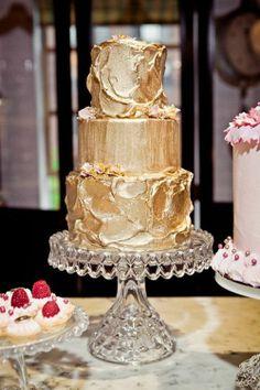 Gold metallic wedding cake. Re-pin if you like. Via Inweddingdress.com #weddingcake Metallic Cake, Metallic Wedding Cakes, Metallic Gold, Cake Wedding, Gold Gold, Wedding Decor, Wedding Blog, Wedding Ideas, Wedding Trends