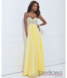I'm not tan enough for yellow but I love this