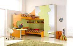 Un diseño de cama para espacios pequeños (http://dormitoriosdecorar.blogspot.com/2013/08/hermosos-dormitorios-para-dos-chicas.html)