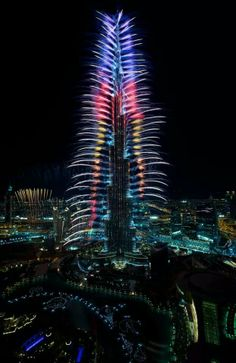Fireworks off Burj Khalifa celebrating Expo 2020 announcement, 27 November, Dubai, UAE. Big Fireworks, New Year Fireworks, Fireworks Photos, Dubai New Years Eve, Famous Monuments, Dubai City, Dubai Hotel, Dubai Uae, World Travel Guide
