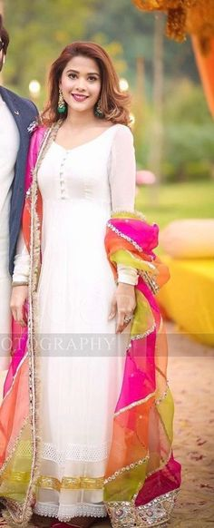 Shop salwar suits online for ladies from BIBA, W & more. Explore a range of anarkali, punjabi suits for party or for work. Dress Indian Style, Indian Fashion Dresses, Fashion Outfits, Simple Kurta Designs, Stylish Dress Designs, Pakistani Dress Design, Pakistani Dresses, Stylish Dresses, Casual Dresses