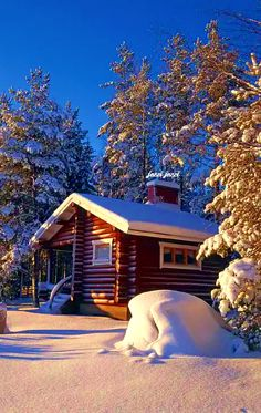 Love to rent a cabin every winter somewhere in Finland and now will take the Grandkids with us :) Winter Cabin, Cozy Cabin, Winter Snow, Winter Time, Getaway Cabins, Lake Cabins, Cabins And Cottages, Little Log Cabin, Design Rustique