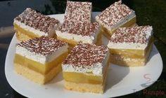 Relativ schnell zubereiteter Apfelkuchen zum Verlieben. Er ist frisch, schmackhaft und simpel.