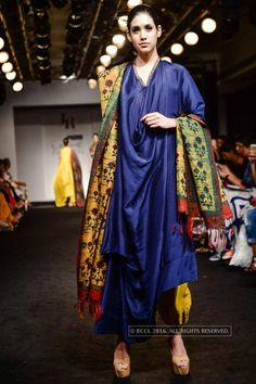 A model showcases a creation by designer Jayanti Reddy on Day 3 of the Lakme Fashion Week 2016 held in Mumbai - Photogallery #LakmeFashionWeek #LakmeFashionWeek2016 #LakmeFW16 #LFW #IndianFashion #bollywood #fashionshow #indianclothes