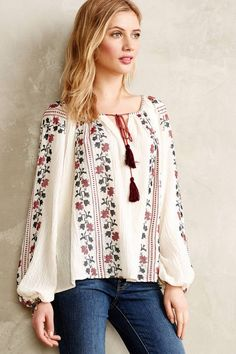 Anthropologie Vanessa Virginia Colentina Peasant Blouse Buy for 118 at Anthropologie Bohemian Mode, Bohemian Style, Boho Fashion, Fashion Dresses, Fashion 2015, Fashion Trends, Ethno Style, Estilo Hippie, Boho Stil