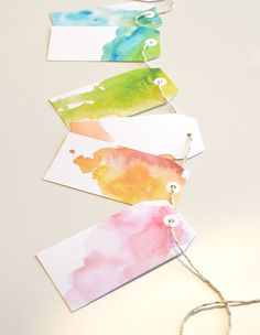 Free Watercolor Gift Tags http://www.weddingchicks.com/2014/12/10/free-holiday-gift-tags/