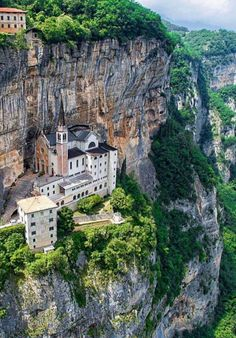 Nice idea for a cliff village.