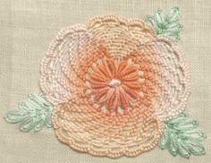 パンジーの花の刺繍の画像 | 【かんたん刺繍教室】たった6つのステッチだけでらくらく刺繍上達ブログ