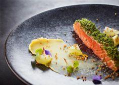 Happy Friday Lovely Salmon Gravadlax from the team @homehouselondon  #foodphotography #foodphotographer #foodphotography #London #gourmetartistry #gastroart #food #foodie #foodart #instadaily #theartofplating #instafood #instachef #chefslife #instagramhub #igers #truecooks #chefstalk #chefsroll #foodstarz #thestaffcanteen #grateplates #simplisticfood #salmon #gravadlax