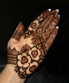Simple mehndi designs for hands to kick start the ceremonial fun. If elaborate henna designs are a bit too much for you, then check out these henna designs. Henna Tattoo Designs Simple, Rose Mehndi Designs, Basic Mehndi Designs, Henna Art Designs, Mehndi Designs For Girls, Wedding Mehndi Designs, Mehndi Designs For Fingers, Dulhan Mehndi Designs, Latest Mehndi Designs