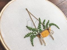 Dissolving Stabilizer Printed Pattern - Vern the Fern Embroidery Pattern - Hand Embroidery Project - 6 Inch Hoop Design with Instructions Diy Embroidery Flowers, Hand Embroidery Projects, Bee Embroidery, Embroidery Patterns Free, Embroidery Techniques, Print Patterns, Simple Embroidery Designs, Vintage Embroidery, Chicken Scratch Embroidery