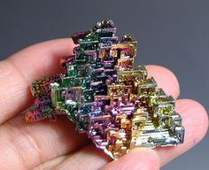 Bismuth Crystals, Belgium Steven Universe Au, Bismuth, Love Rocks, Felicia, Rocks And Minerals, Amazing Things, Crystals And Gemstones, Gaia, Mother Nature