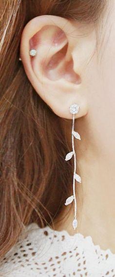 Cute Crystal Leaf Drop Chain Earrings for Teenagers Statement Jewelry - Pendientes colgantes de hojas de cristal para adolescentes - www.MyBodiArt.com