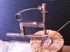 Приспособление для ковки и формировки лепестков розы на холодную. - YouTube