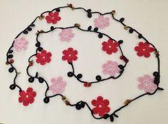 Colar estilo turco com missangas e flores by GabyCrochetCrafts, £22.00