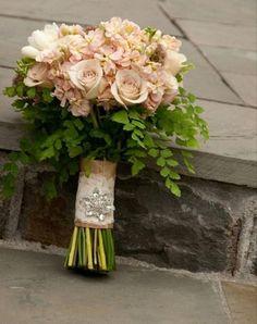 A stunning peach bouquet with maidenhair fern. Swoon.