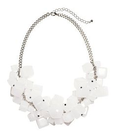Pin for Later: 15 Things No One Will Believe You Bought From H&M Short Necklace Short Necklace (£15)