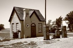 Route 66 - Restored Phillips 66 gas station in McLean, Texas,...