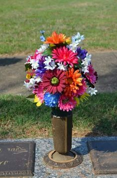 Idea Of Making Plant Pots At Home // Flower Pots From Cement Marbles // Home Decoration Ideas – Top Soop Grave Flowers, Cemetery Flowers, Church Flowers, Funeral Flowers, Silk Flowers, Funeral Flower Arrangements, Artificial Flower Arrangements, Artificial Flowers, Floral Arrangements