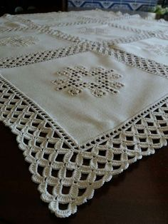 Alba Griselda Espinel Rochón's 743 media content and analytics Crochet Fabric, Crochet Tablecloth, Crochet Doilies, Crochet Lace, Crochet Edging Patterns, Crochet Borders, Farm Crafts, Diy And Crafts, Lace Table Runners