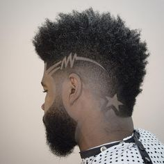 Cool Men's Haircuts + Men's Hairstyles For 2018 andyauthentic mohawk fade and hair design Black Men Haircuts, Black Men Hairstyles, Cool Mens Haircuts, Boy Hairstyles, Men's Haircuts, Bridal Hairstyles, 1940s Hairstyles, Modern Haircuts, American Hairstyles