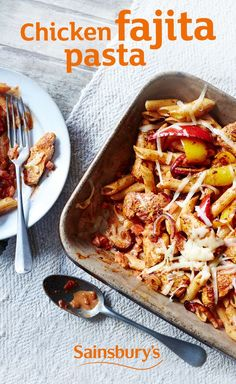 Chicken fajita pasta There's a reason fajitas are so popular, and it's because they're so tasty. This chicken fajita pasta is a twist on the classic dish, ready in just 20 minutes, it will definitely be a hit with all the family. Pasta Recipes, Chicken Recipes, Chicken Ideas, Dinner Recipes, Slow Cooker Recipes, Cooking Recipes, Sainsburys Recipes, Good Food, Yummy Food