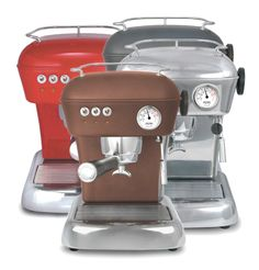 The #Ascaso Dream Versatile Plus #Coffee #Machine manufactures coffee bursts out with an rich flavor and looks perfect. A pressurized filter holder needs help to create a satisfying output, in support with a 16 bar pressure pump, results are smooth and quick.