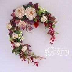 【秋色リース】穏やかなベージュのクラシックローズが咲く秋飾り|フラワー・リース|お花のアトリエ Cherry|ハンドメイド通販・販売のCreema