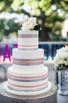 Downtown Savannah Wedding by Izzy Hudgins Photography | Savannah Soiree