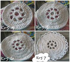 : Virkatun maton ohje Crochet Hats, Knitting, Diy, Inspiration, Farmhouse Rugs, Napkin Rings, Craft, Google Search, Knitting Hats