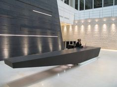 30 Unbelievable Reception Desk Ideas For Your Minimalist Office - Feed My Design. Corporate Interiors, Hotel Interiors, Office Interiors, Hotel Lobby Design, Workspace Design, Office Interior Design, Reception Counter Design, Lobby Reception, Office Lobby