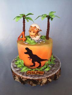 Baby dinosaur - cake by Layla A Dinosaur Birthday Cakes, Dinosaur Party, 4th Birthday, Festa Jurassic Park, Chocolate Hazelnut Cake, Dino Cake, Baby Dinosaurs, Party Cakes, Milan
