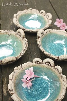 Ammoniten Schälchen aus Ton * Ceramic Art, Serving Bowls, Plates, Ceramics, Tableware, Clay, Handarbeit, Licence Plates, Ceramica