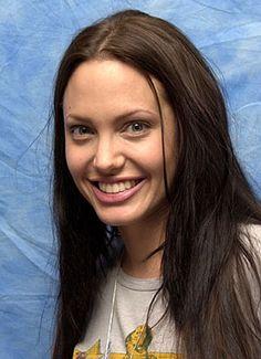 Angelina Jolie non truccata