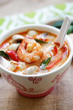 Easy Delicious Recipes Thai Coconut Chicken & Shrimp Soup - Rasa Malaysia - Thai Coconut Chicken and Shrimp Soup – the best soup you'll ever make in your kitchen. Thai Coconut Chicken, Thai Coconut Soup, Coconut Shrimp, Shrimp Soup, Chicken And Shrimp, Chicken Broth Recipes, Shrimp Recipes, Easy Delicious Recipes, Yummy Food