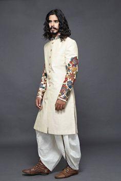 40 Top Indian Engagement Dresses for Men Engagement Dress For Groom, Wedding Dress Men, Engagement Dresses, Indian Wedding Outfits, Indian Outfits, Wedding Outfits For Men, Mens Sherwani, Kurta Men, Indian Groom Wear