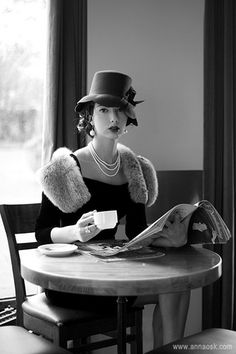https://www.facebook.com/pages/Coffee-Society/651773478236556 Hats, Fashion, Teas Time, Style, Cafes Paris, Vintage, Pearls, Coffee, Cars Accessories