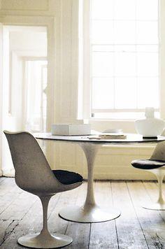 *Eero Saarinen *tulip table and chairs