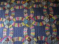 This double wedding ring #quilt in Hope Valley fabric by Denyse #Schmidt is amazing.
