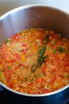 Fyldig grøntsagssuppe med tomater og korn Cooking Recipes, Healthy Recipes, Ramin Karimloo, Sierra Boggess, Idina Menzel, Axl Rose, Everyday Food, Iron Maiden, Les Miserables
