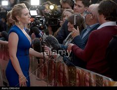 British actress Kate Winslet (L) is interviewed on the red carpet as she arrives at the UK premiere of 'A Little Chaos' in London, Britain, 13 April 2015. The film is released in British cinemas on 17 April. © epa european pressphoto agency b.v. / Alamy