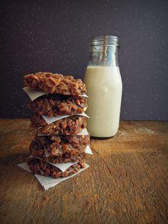 no bake peanut butter and chocolate oatmeal cookies (gf, vegan)