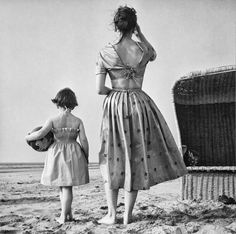 To the beach Holland 1953 Photo by Paul Huf