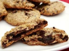Paleo Chocolate Chip Cookies and 20 Paleo Dessert Recipes - just made these cookies. (There's other good recipes on here also but haven't tried them yet but look yummy! Paleo Dessert, Healthy Desserts, Dessert Recipes, Healthy Recepies, Paleo Chocolate Chip Cookies, Chocolate Desserts, Paleo Cookies, Brownies Keto, Sweets