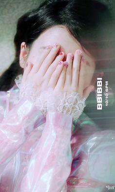 Kim Chungha, Warner Music, Kim Hyuna, Glitter Party, Love U Forever, Sulli, Losing A Child, Feel Tired, Retro Art